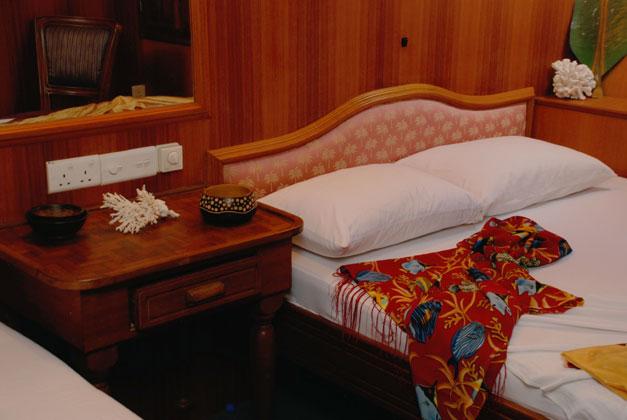 Conte max m yacht crociera sub maldive e sri lanka for Emirati franchigia bagaglio in cabina in classe economica