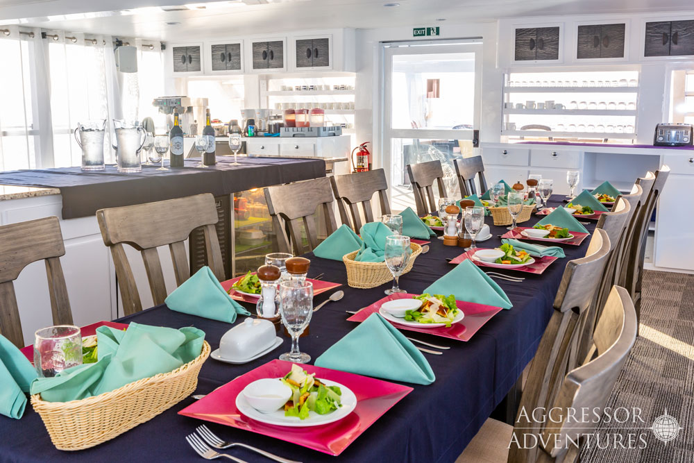 Cayman Aggressor Sala ristorante