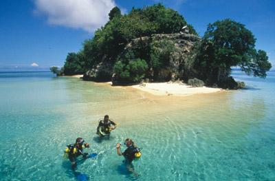 Viaggi e crociere sub walea island indonesia vacanze - Walea dive resort ...