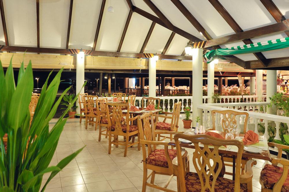 Holiday Island Coffee Shop