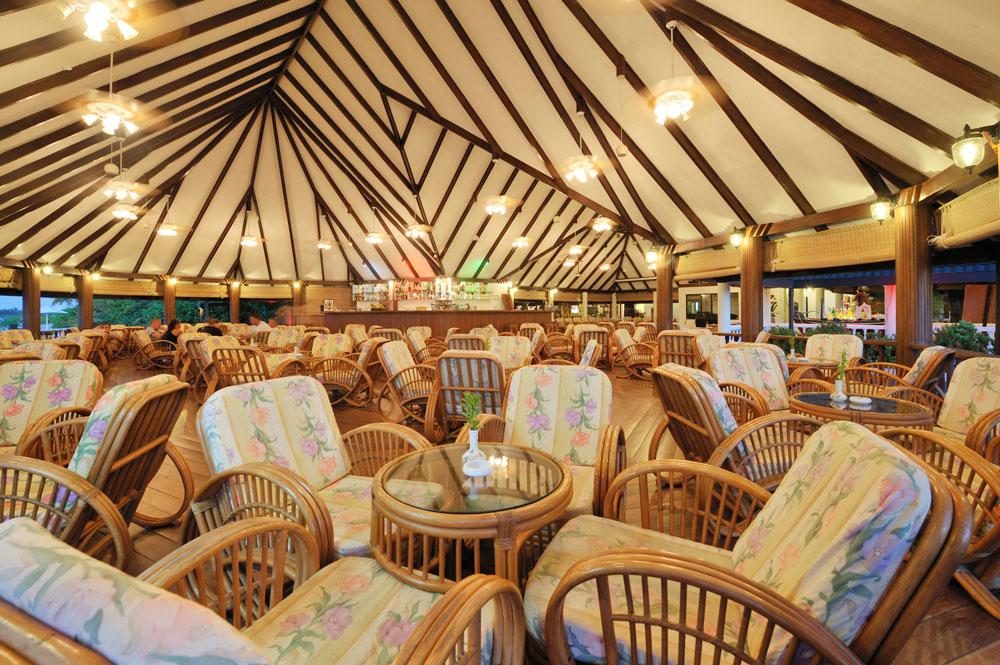 Holiday Island Bar