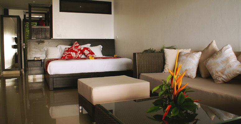 Camere Oceanfront Suite
