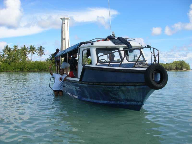 16_Dive_Boat