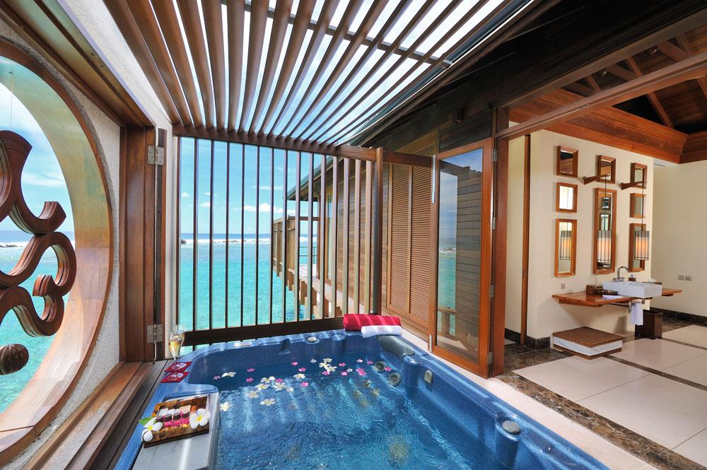 Paradise Island Ocean Suite Piscina