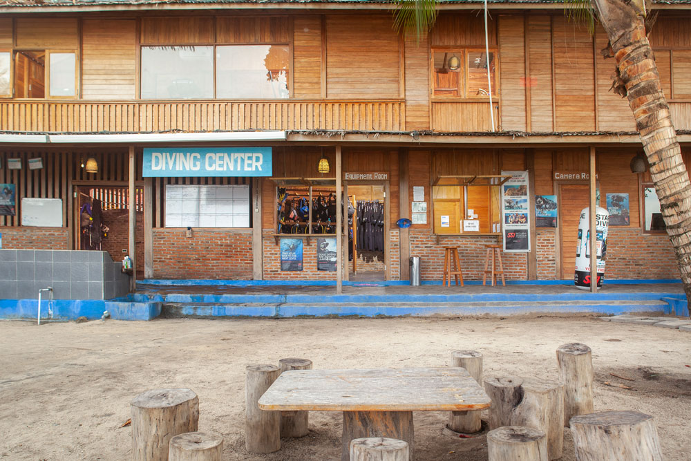Dive_Center
