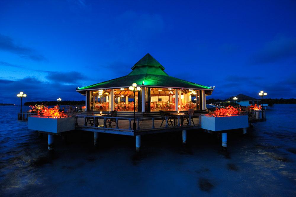 Sun-Island_Southern-Star-Restaurant