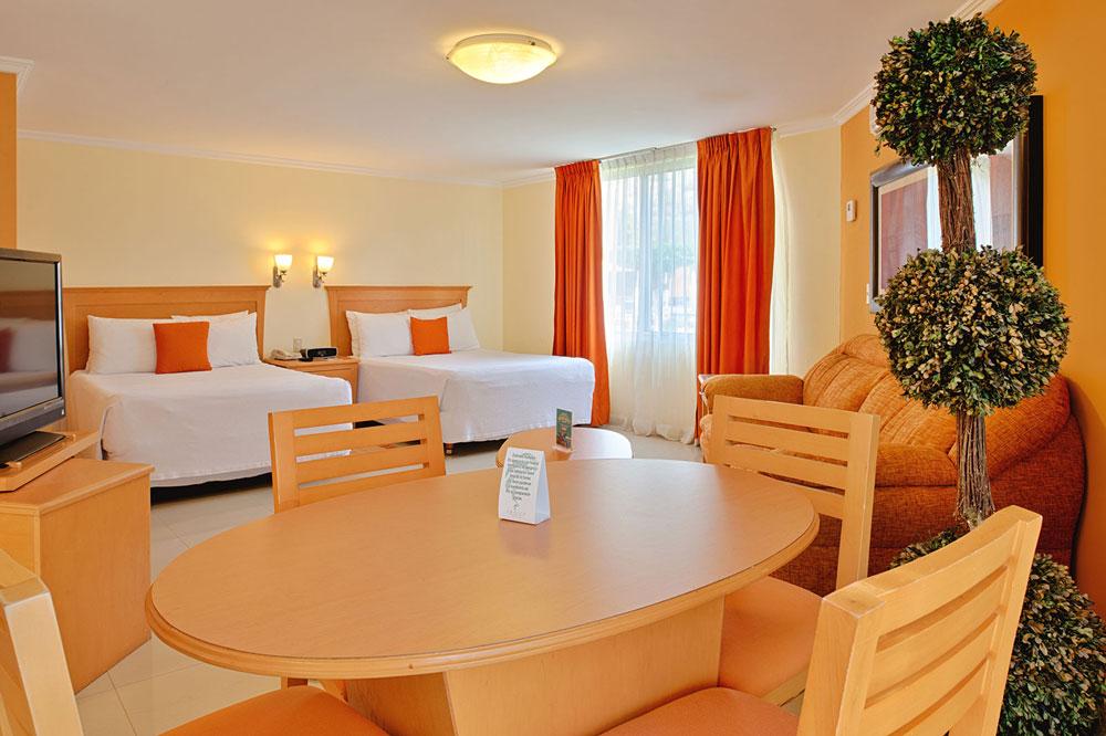 Hotel-Araizia-Palmira Junior Suite Salotto